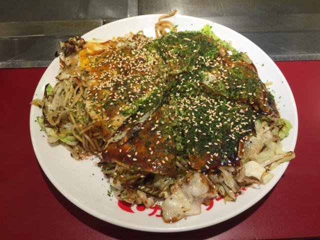 お客様におすすめ頂いたお好み焼屋【五エ門】はパリパリの「そば」とたっぷりの「野菜」でおいしく頂きました!