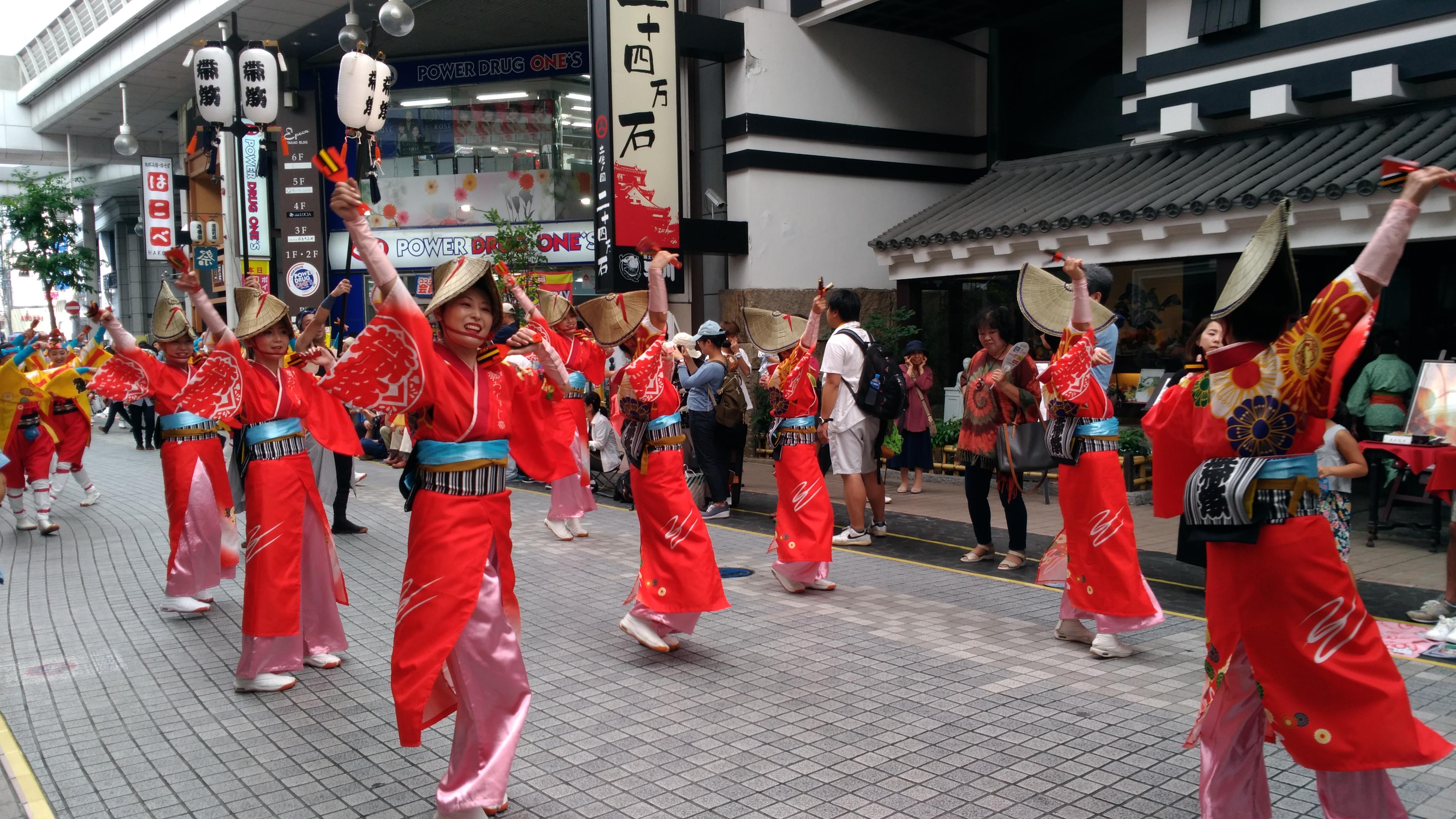 青春18きっぷで行く【四国】西部の旅! -2日目:ホビートレインとよさこい祭りを堪能-