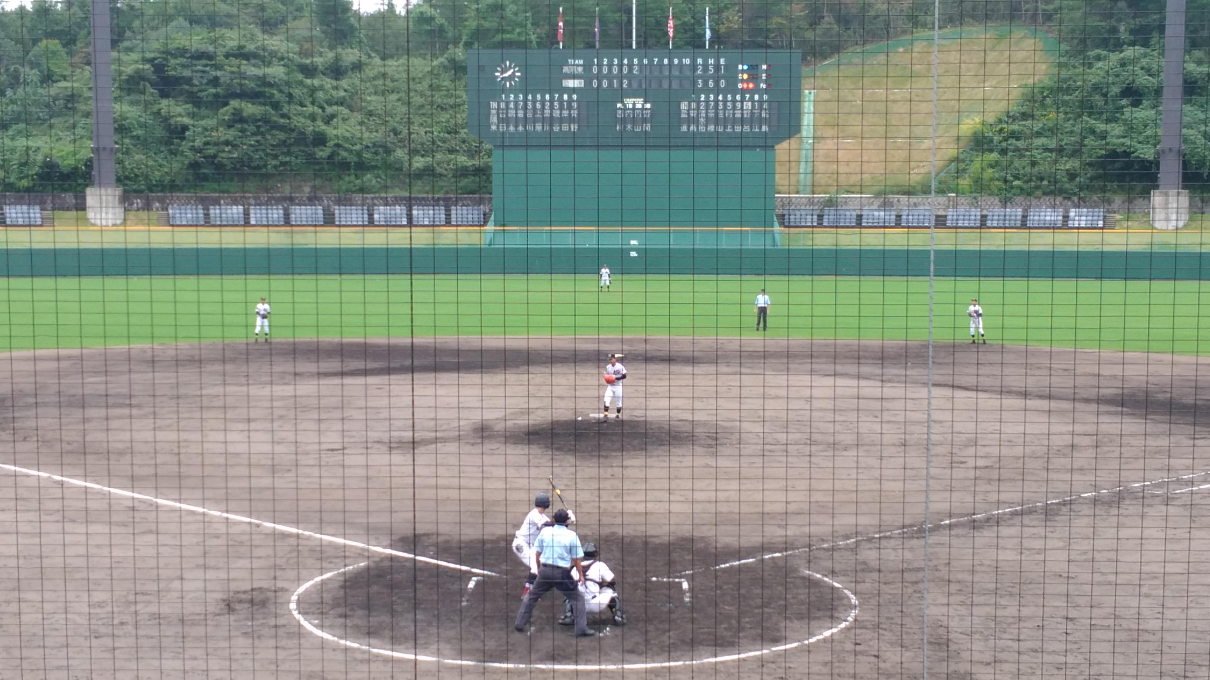 今年(2017年)の「秋季中国地区」高校野球大会が、[しまなみ球場]と[福山市民球場]で行われますよ! 組合せ抽選が行われましたね。