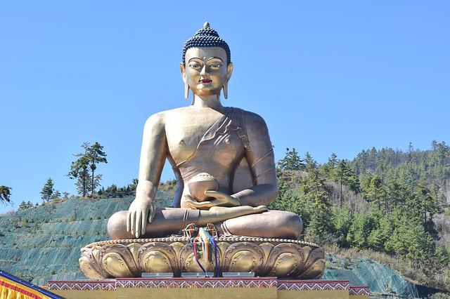 中村元氏訳【ブッダのことば】の美しく格調高いことばは、心を打ちます。おすすめです! 《原始仏教・原始仏典について》